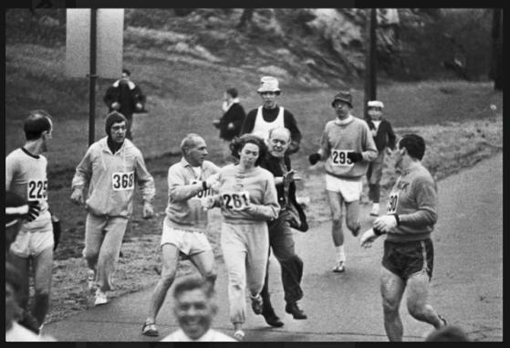 KATHRINE SWITZER ΠΡΩΤΗ ΓΥΝΑΙΚΑ ΜΑΡΑΘΩΝΟΔΡΟΜΟΣ ΒΟΣΤΩΝΗ 1967